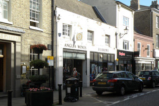 PREMIER SHOP ON ELY HIGH STREET TO LET
